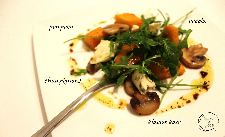 Warme salade van pompoen en champignons