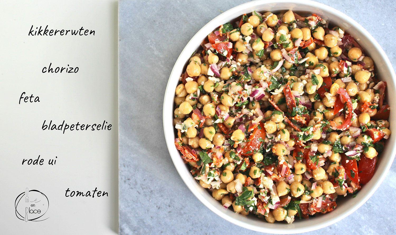 Salade met kikkererwten en chorizo